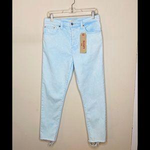 NWT Levi Wedgie Skinny Jeans Button Fly Raw Hem 30